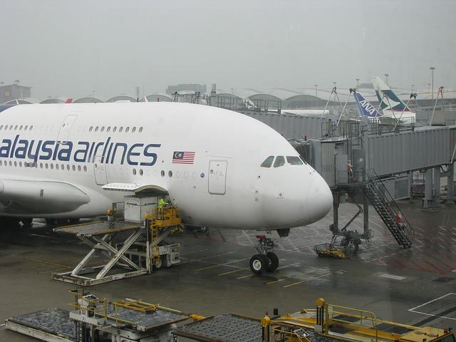 aircraft-226466_640