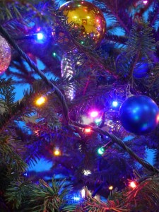 christmas-baubles-231477_640